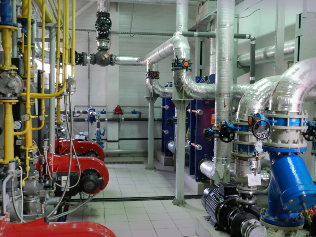Безвоздушное нанесение антикоррозионной защиты на резервуары